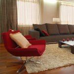 Серый диван с квадратными подушками своими руками