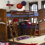 Угловая кровать для троих детей в два яруса