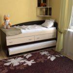 Выдвижная двухъярусная кровать с ящиками
