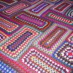 Интересные прямоугольные фрагменты для одеяла в стиле пэчворк из ниток