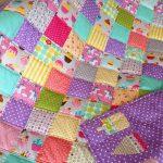 Красивое и необычное стеганое одеяло для маленькой принцессы