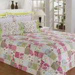 Красивое лоскутное одеяло на двуспальную кровать