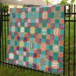Необычное одеяло-покрывало из разноцветных лоскутков