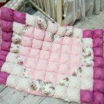 Нежное покрывало-одеяло с сердцем в середине
