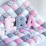 Одеяло и подушки-буквы ручной работы
