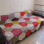 Плед на диван из разноцветных ромбов своими руками