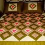 Шикарное одеяло с ромбами и сердечками на большую кровать