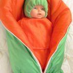 Теплое яркое одеяло-трансформер для новорожденного