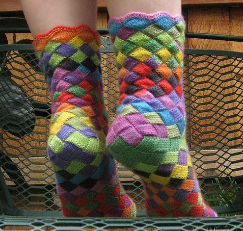 Вязанные носочки из квадратиков