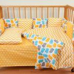 Двусторонний детский комплект постельного белья в желтом цвете