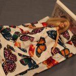 Кроватка для барби с постельным с бабочками