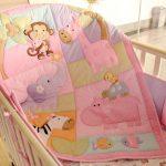 Маленькое одеяло в кроватку новорожденного