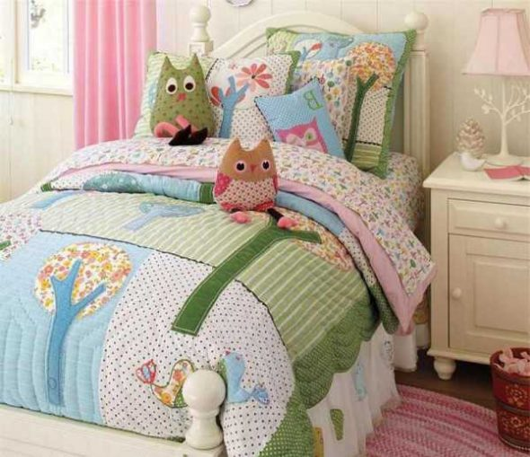 Одеяло и постельный комплект