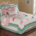 Одеяло с бабочками для девочки-подростка
