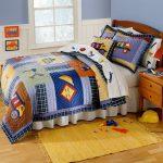 Одеяло в стиле пэчворк для школьника