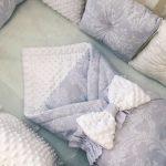 Плед и защита в кроватку с использование плюша Минки