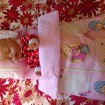 Постельное белье в представлено в комплекте с одеялом и подушкой