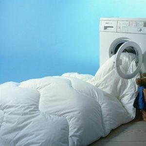 Загрузка в стиральную машину