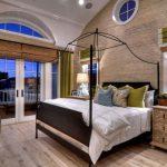 Дизайн спальной комнаты с бамбуковыми шторами