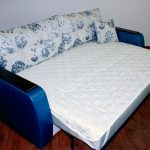 Белый наматрасник на резинках для раскладного дивана