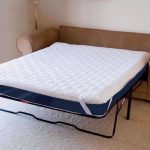 Для раскладных вариантов диванов можно дополнительно приобрести наматрасник