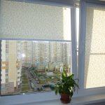 Роллеты на окне в панельном доме