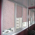 Оформление окна в застекленной лоджии