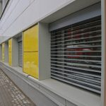 Желтые панели навесной фасадной системы