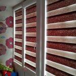 Кассетные шторы типа зебра на окне детской комнаты