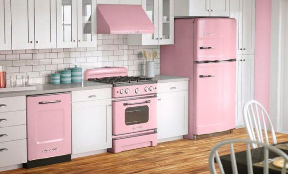 Бытовая техника в розовом цвете
