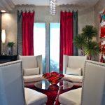 Комбинированные серо-бордовые шторы
