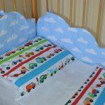 Комплект постельного и защита в детскую кроватку