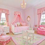 Красивая комната для девочки в нежных розовых тонах