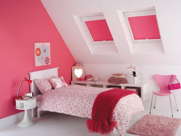 Рулонные розовые шторы в детскую