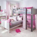 Оформление детской в розовом цвете