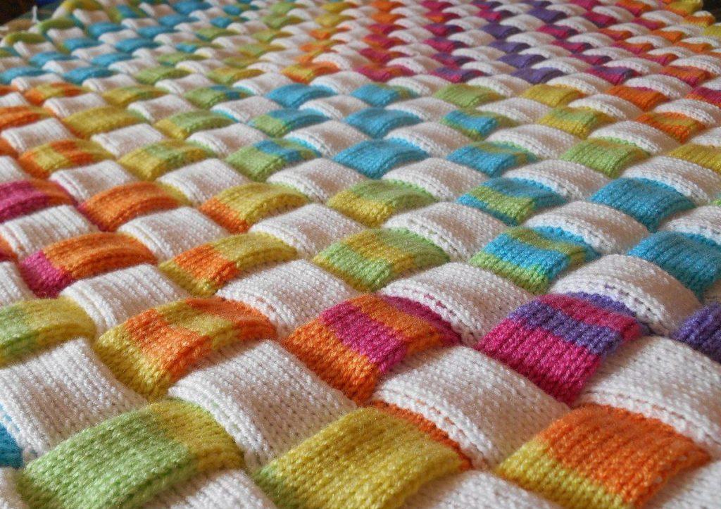 Завершающий этап вязания коврика
