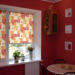 Декоративные ниши на стене кухни