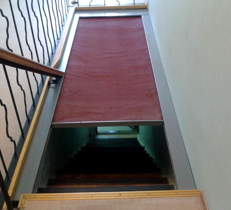 Размещение противопожарной шторы в лестничном марше цокольного этажа