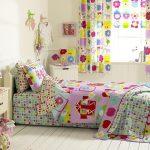 Пестрый текстиль в интерьере детской комнаты