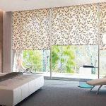 Дизайн спальни с панорамным окном