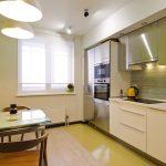 Интерьер кухни с линейной планировкой