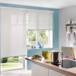 Полупрозрачные роллеты на кухонном окне