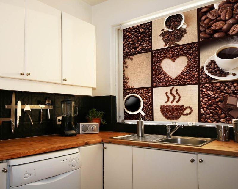 Рулонная штора с фотопечатью на кухонном окне