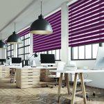 Фиолетовые шторы зебра в интерьере офиса