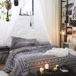 Сон на полу - полезно, просто и оригинально