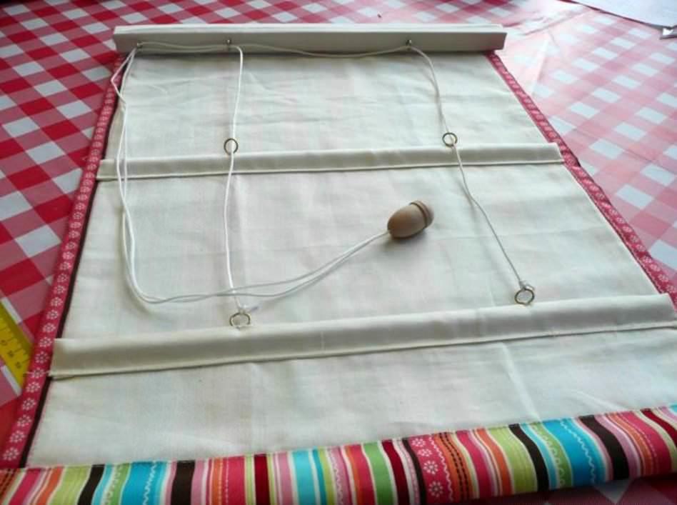 Простая конструкция самодельной римской шторы