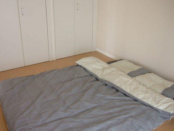 Сон на полу по рекомендации врача