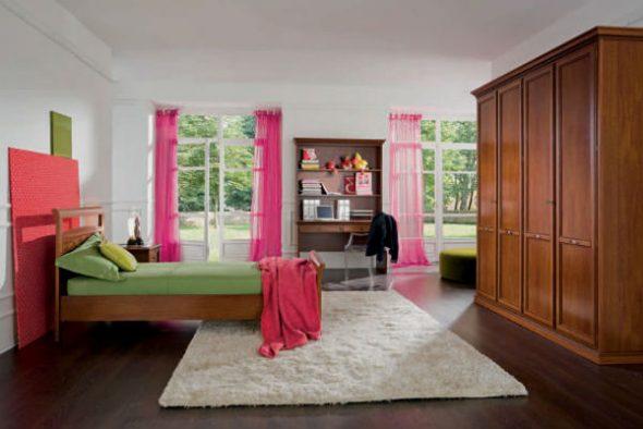 Сочетание розовых штор с другими элементами