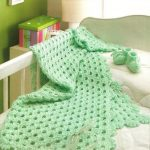 Ажурное зеленое покрывало-одеяло для малыша