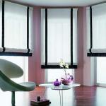 Бело-черные римские шторы для интерьера в стиле минимализм